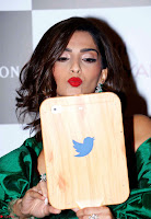 Sonam Kapoor poses at Vogue Women of the Year Awards ~  Exclusive 001.jpg