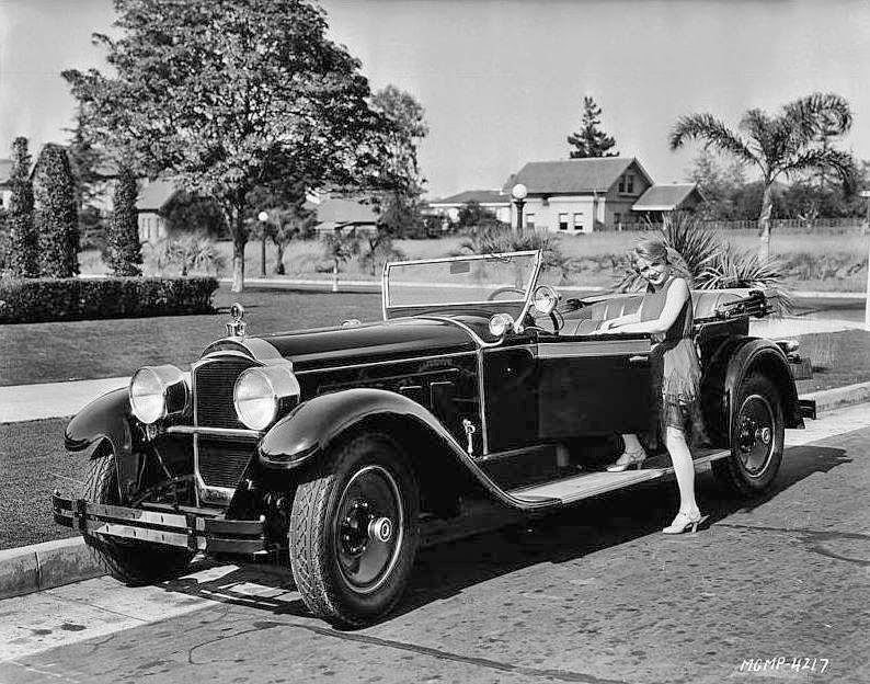 Vintage Photos of Women and Automobiles From the Early 20th ...