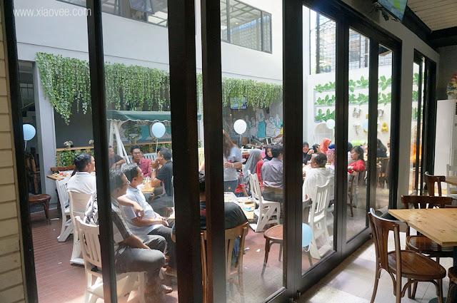 Review Babeh Street Surabaya, Restoran Surabaya harga terjangkau, cafe Surabaya harga terjangkau, Cafe untuk acara private seperti ulang tahun atau bridal shower, cafe recommended surabaya