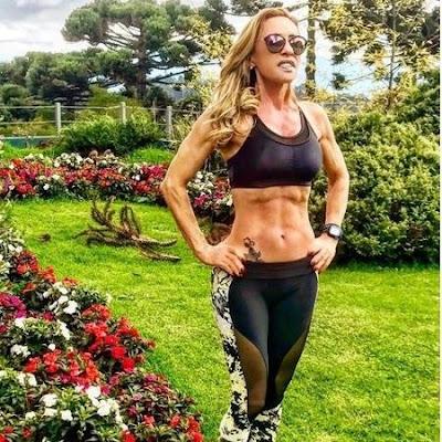 Resultado de imagem para Conheça a musa fitness da terceira idade com 61 anos, veja fotos