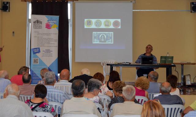 Esguard de Dona - Un moment de la presentació, que va comptar amb un nombrós públic.