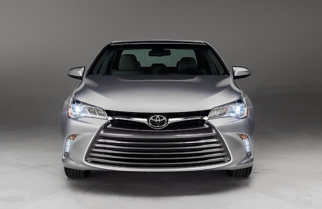 2016 Toyota Camry silver front