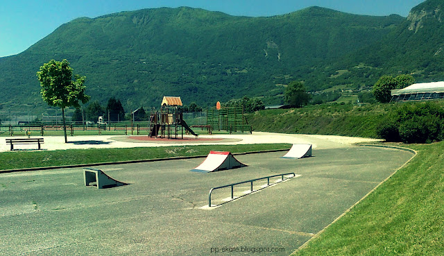 skatepark saint pierre albigny