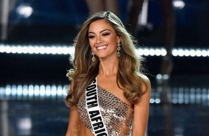 Miss Universo 2017 Demi-Leigh Nel-Peters sudafricana con super laurea