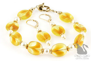 Yellow Pearl Czech Window Bead Jewelry Set, Bracelet and Earrings