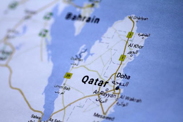 Μέσα σε μια νύχτα το Κατάρ έγινε κράτος τρομοκράτης - Τι σημαίνει για χιλιάδες Έλληνες που εργάζονται εκεί