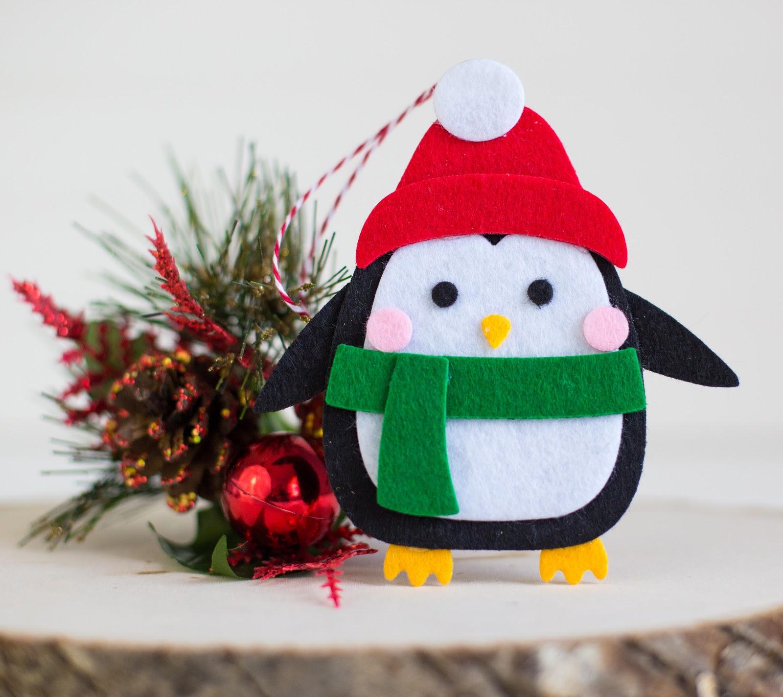 My Cluttered Corner: Quick & Easy No Sew Felt Ornaments