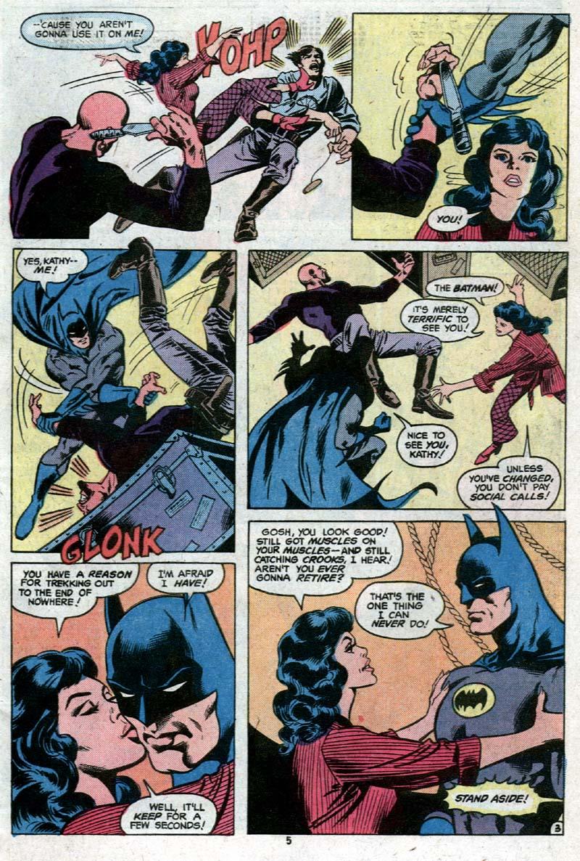 Detective Comics (1937) 485 Page 4