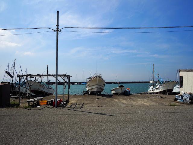 那古船形漁港