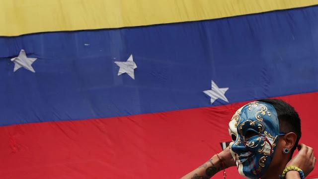 Las negociaciones entre el régimen de Maduro y el presidente interino Juan Guaidó seguirían en Martinica