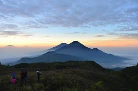 Destinasi wisata Gunung Prau Dieng