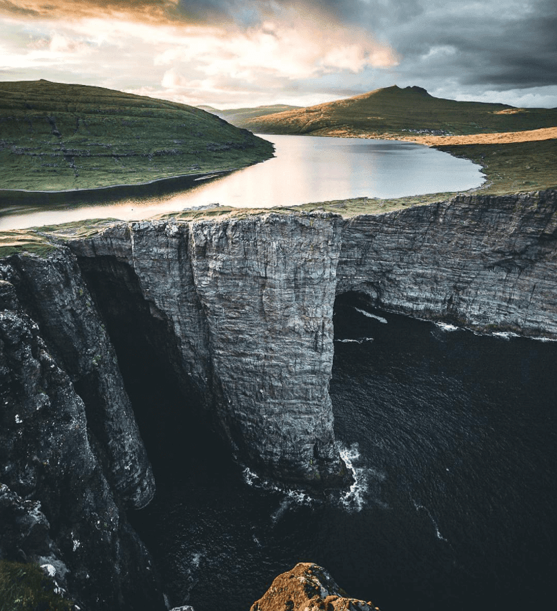 32 Stunning Places on Earth You Should Visit Before You Die - Lake Sorvagsvatn, the Faroe Islands