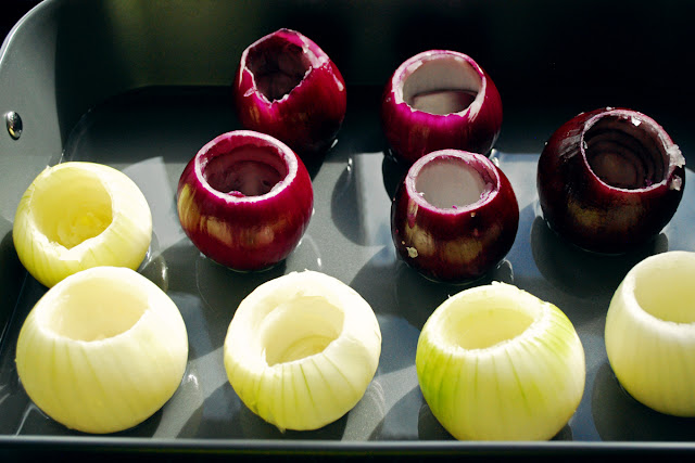 Red and brown onions for roasting - stuffed onions - vegetarian gluten-free