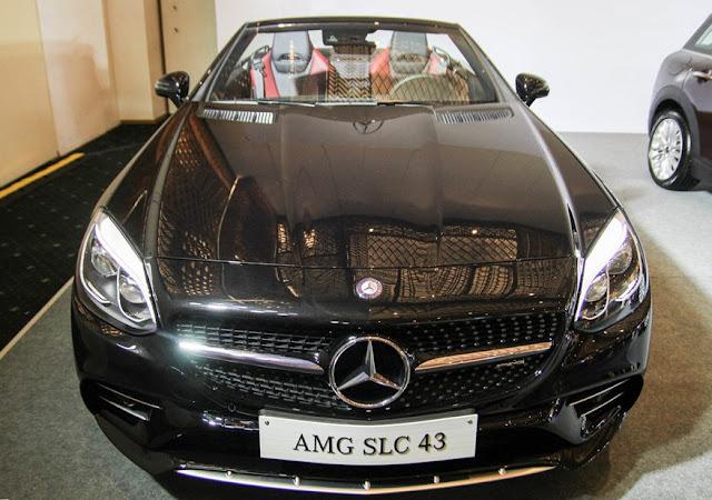 Mercedes AMG SLC 43 sử dụng Lưới tản nhiệt một thanh, với Logo ngôi sao 3 cánh ở chính giữa