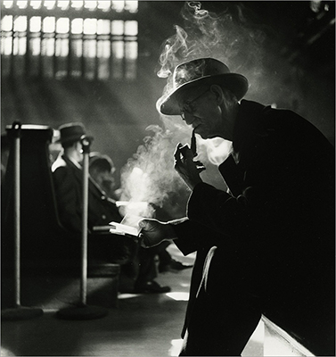 http://undr.tumblr.com/post/155823106412/bedrich-grunzweig-grand-central-waiting-room-new