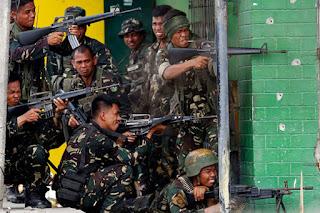 Bentrokan Terjadi Antara Militer Filipina Dan Kelompok Abu Sayaf Tiga orang dikabarkan Meninggal Dunia - Commando