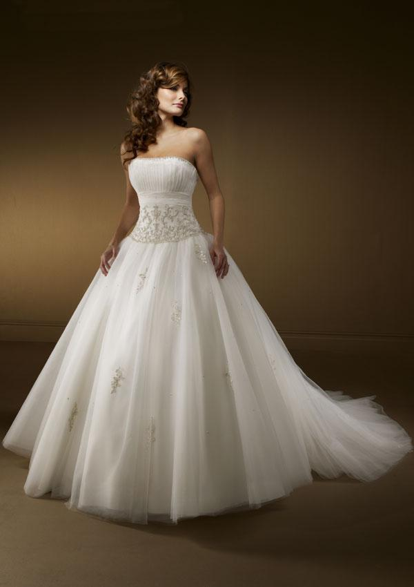 gorgeous organza wedding dress wedding dresses simple wedding dresses prom dresses. Black Bedroom Furniture Sets. Home Design Ideas