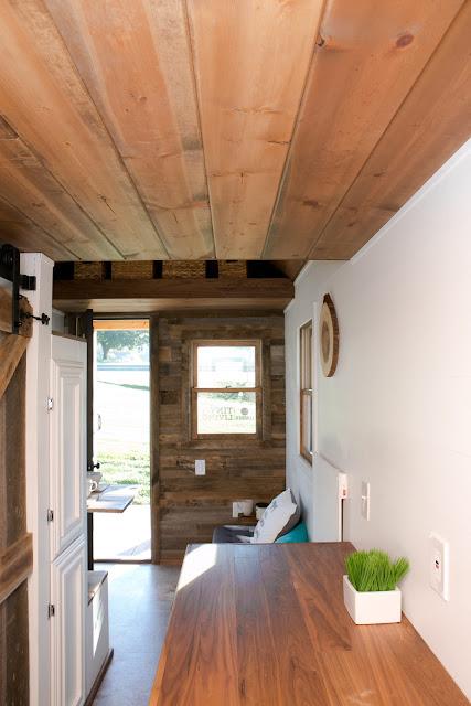 Roving tiny house - 84 Lumber