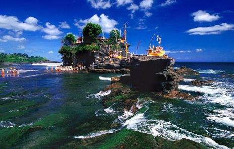 Tempat wisata pura tanah lot di bali
