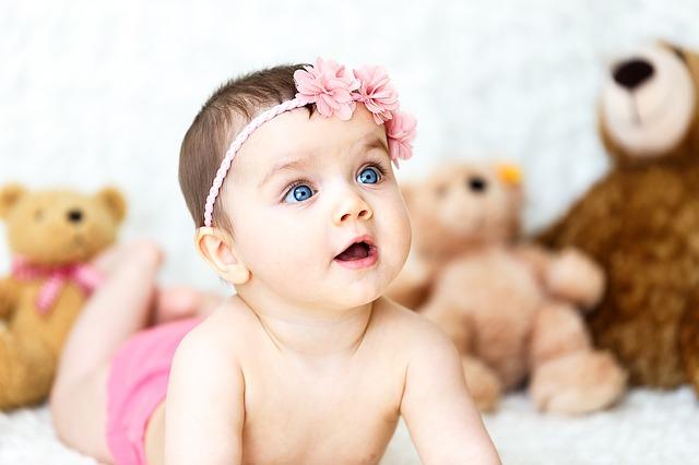 pertumbuhan bayi usia 0-12 bulan, perkembangan bayi 0-12 bulan, bayi 0-12 bulan, bayi, fisik bayi 0-12 bulan