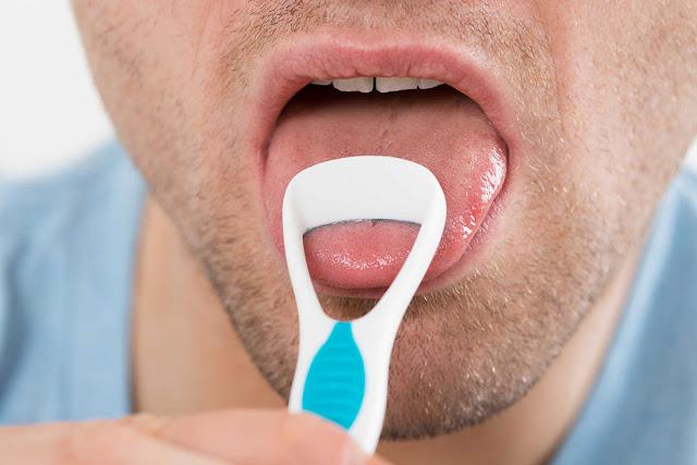 Bersihkan lidah