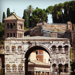 arco argentari sao jorge via marcelo guia brasileira - Via del Teatro Marcello - 2500 anos de arquitetura