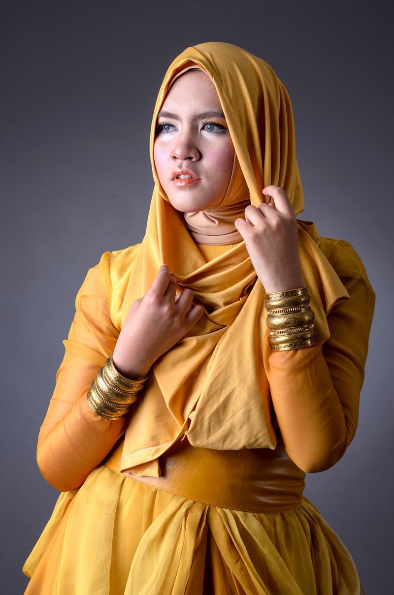 Cewek cantik manis Model HIjab miss Universe untuk cabang Jilbab Dika Restiyanti