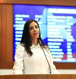 Deputada Daniella Tema destaca importância de programas sociais