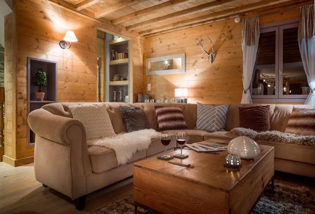 Riverwood Lodge lounge area - AliKats, Morzine