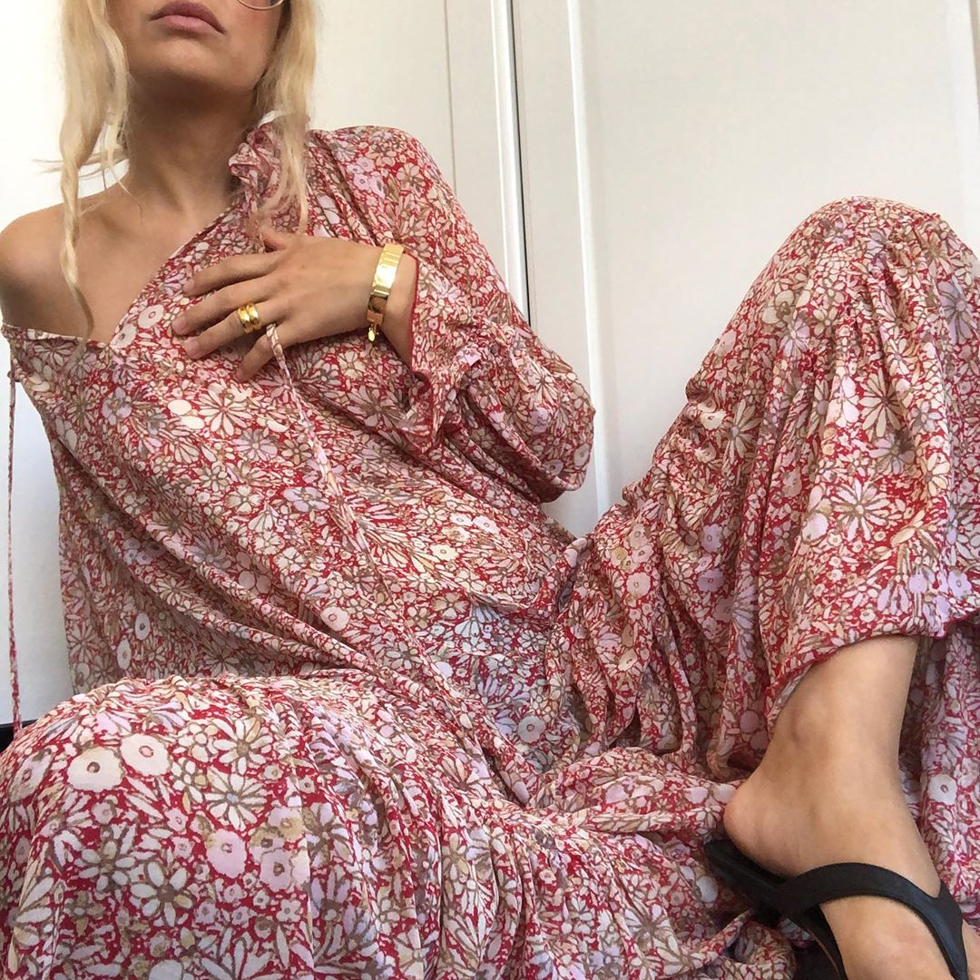 This Long-Sleeved Floral Print Maxi Dress is Perfect for Fall