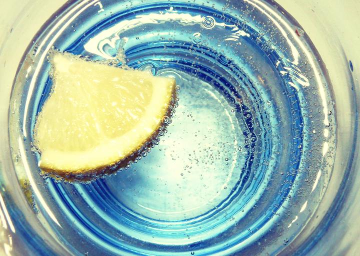 Beber agua antes de analisis de orina
