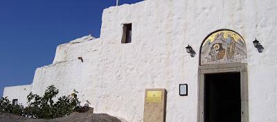 Κελιά και άγνωστες κρύπτες σε έργα ανακάλυψαν στο Σπήλαιο της Αποκάλυψης στην Πάτμο (φωτό)