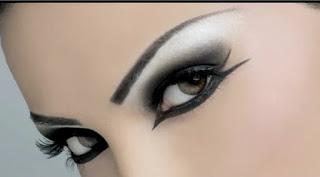 تعرفى على طريقة المكياج المثالي لكل عين حسب شكلها