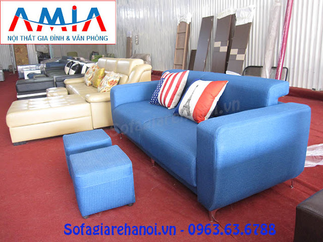 Hình ảnh cho mẫu ghế sofa văng nỉ đẹp hiện đại đang được bán và trưng bày tại Tổng kho Nội thất AmiA