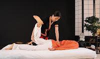 masaje tailandés Madrid con Xiao Ying