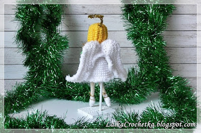 http://lalkacrochetka.blogspot.com/2016/12/christmas-angel-and-santa-claus.html