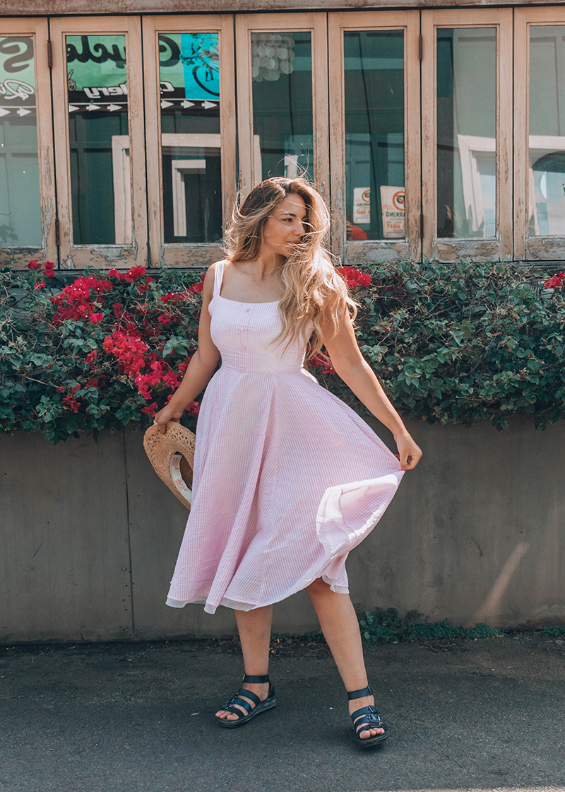 blonde girl in pink gingham dress, pink gingham dress, chicwish dress