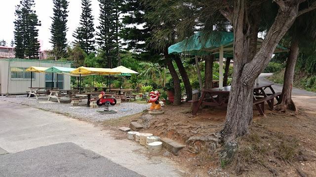 自家製麺 沖縄そば専門店 なかむらそばのテラス席の写真