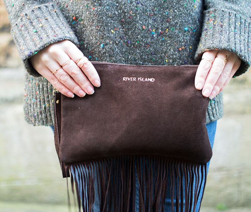 How to wear a fringe clutch bag