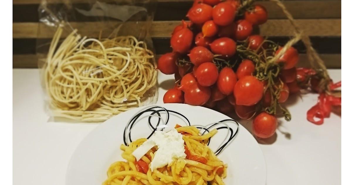Pasta tricolore: pomodorini del piennolo, cime di rapa e mozzarella di bufala