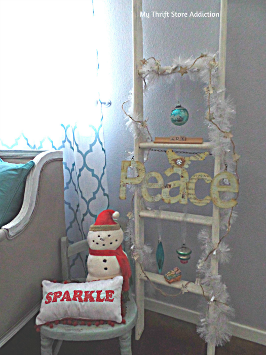 Creating Christmas: A Very Thrifty Christmas mythriftstoreaddiction.blogspot.com Repurposed yard sale bunk bed ladder decorated for Christmas