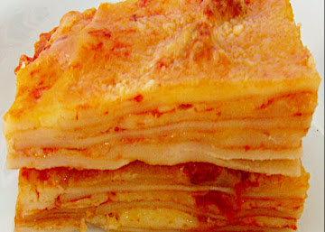 Lasanha com molho vermelho aos 3 queijos e tomate seco
