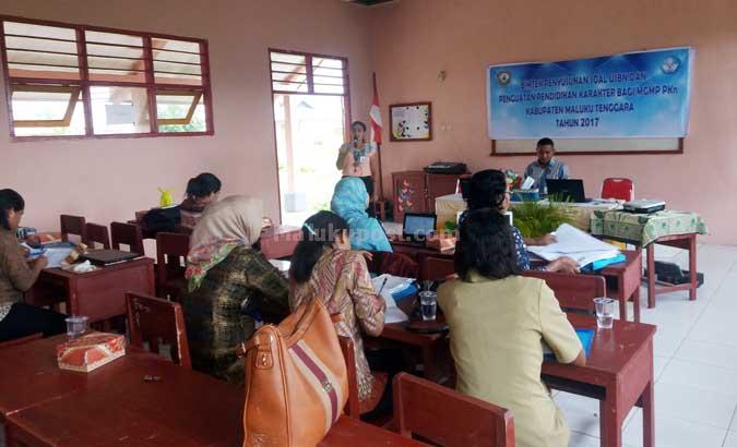 MGMP PKn Gelar Bimtek Tingkat SMP se-Kabupaten Malra