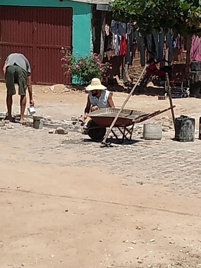 'Cuidando de Quem? Reparos no Calçamento do Jardim são Realizados por Prefeitura de Umbuzeiro-PB