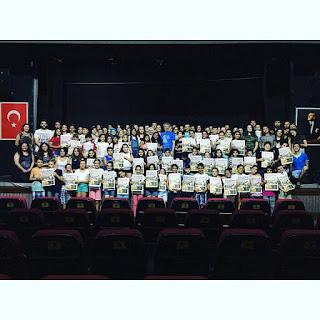 https://aynahikayesi.blogspot.com.tr/2017/07/bedenim-tiyatro-ruhum-yaz.html