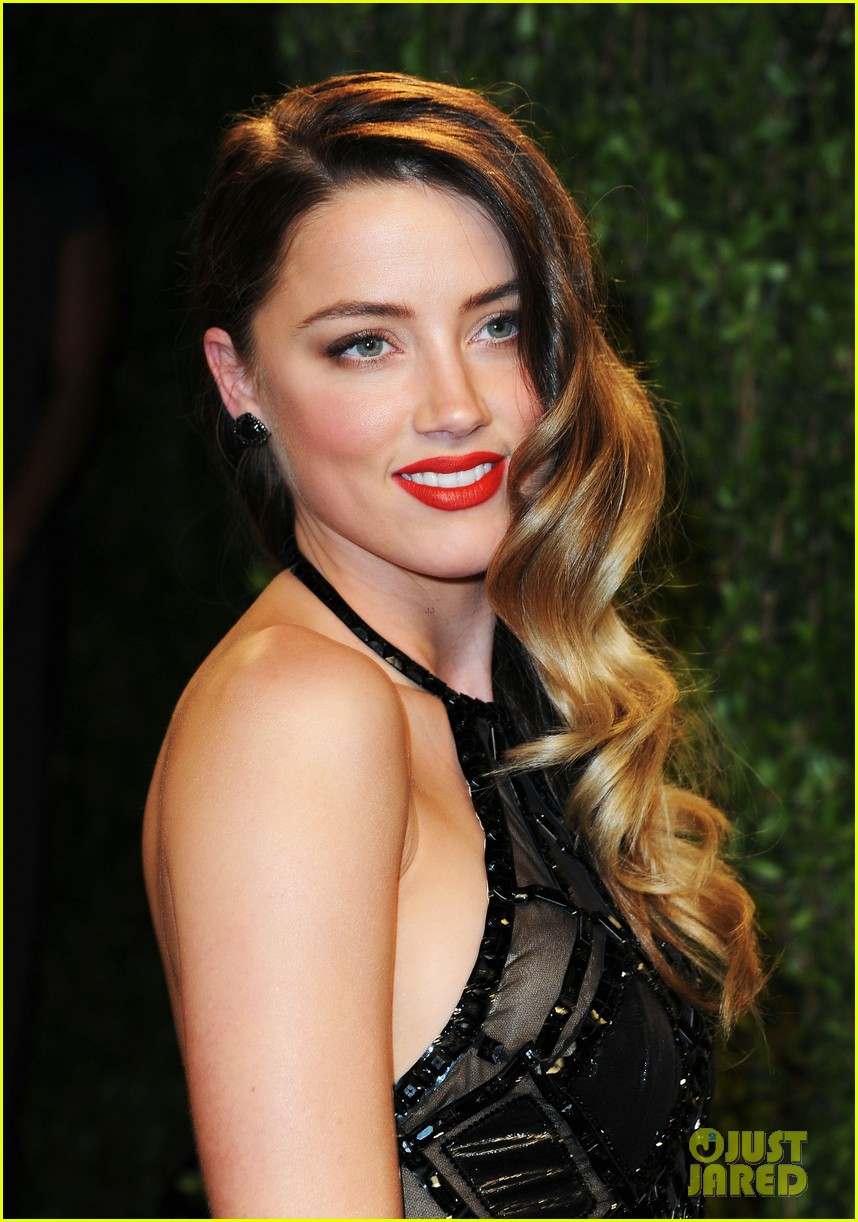 Amber Heard Is The Most Scientifically Beautiful Woman: Celeb Diary: Amber Heard @ 2013 Vanity Fair Oscar Party