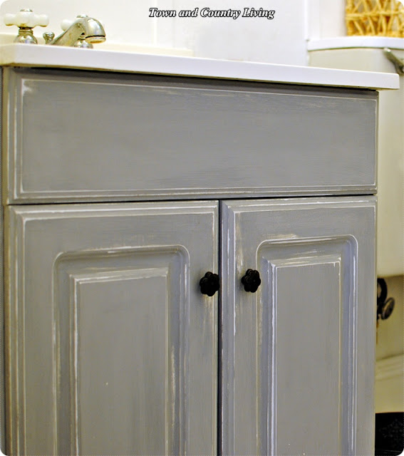 Chalk Paint Vs Enamel For Kitchen Cabinets: Town & Country Living