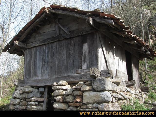 Ruta Puente Vidosa, Jucantu: Hórreo en Rubriellos