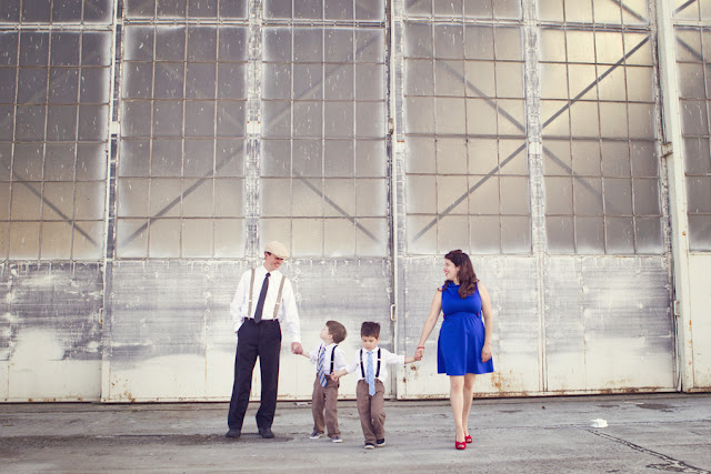 Family+portraits+maternity+engagement+photo+shoot+rockabilly+session+retro+vintage+aerospace+flight+plane+fly+Melissa+McFadden+Photogrpahy+The+Frosted+Petticoat+10 - Come fly with me!