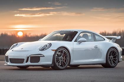 Porsche 911 GT3 493bhp supercar Review